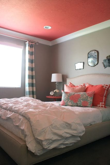 2015 paint trends decorating with coral. Black Bedroom Furniture Sets. Home Design Ideas