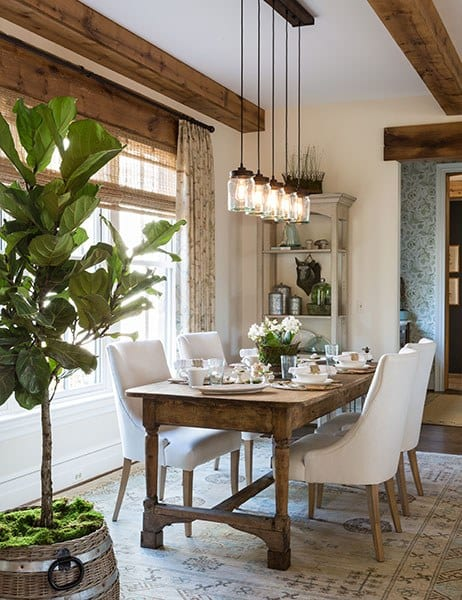 The D.C. Design House features this gorgeous dining room by designer Sara Wessel. Photo via Architectural Digest.